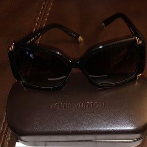 Louis Vuittion Hotrensia sunglasses
